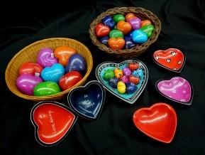 Tabaka heart carvings