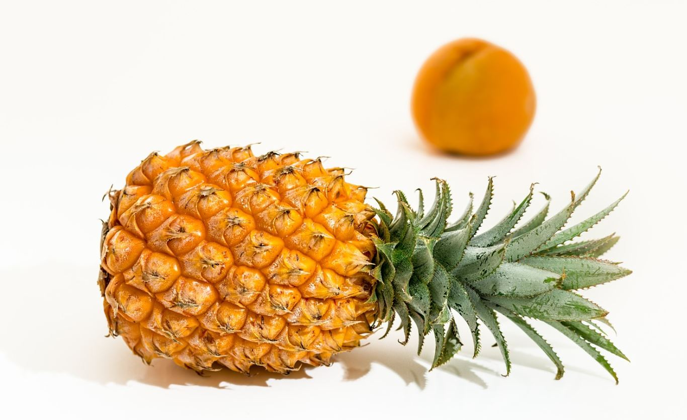 Side Effects and beneficial Health effects of eating pineapples for men and women